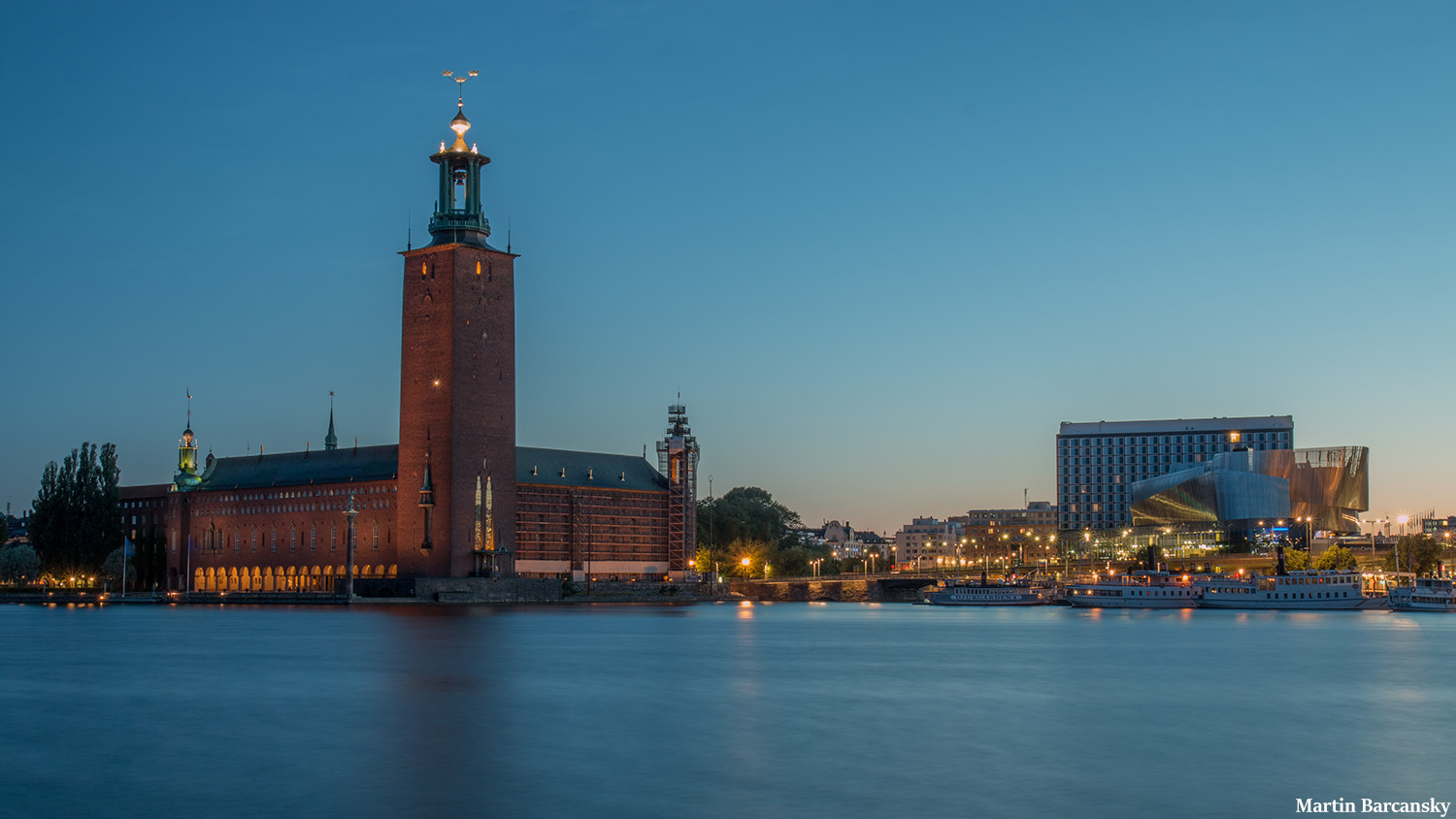 Our Weelo tours takes you to Stockholm city hall
